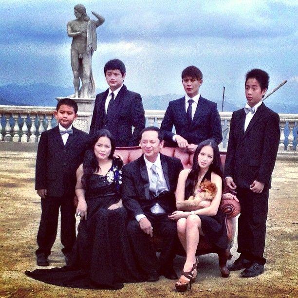 Ellen Adarna family 0001