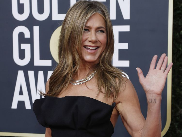 TAB 200107 Jennifer Aniston-1578381386260