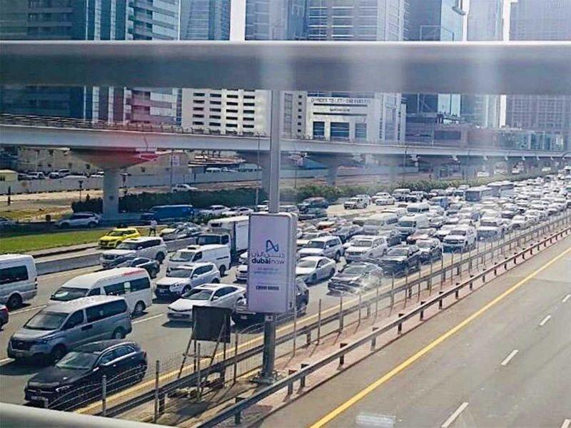 191101 business bay traffic