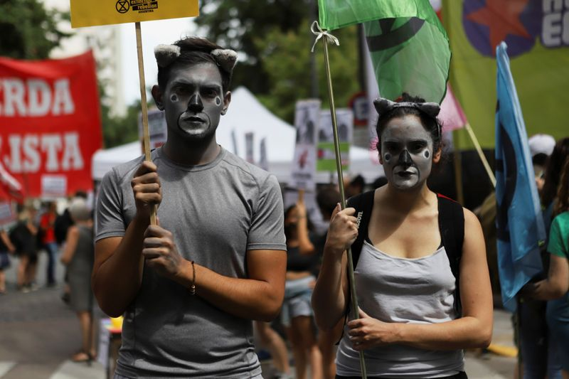 Copy of 2020-01-10T221714Z_385060456_RC2ADE9O57X1_RTRMADP_3_AUSTRALIA-BUSHFIRES-PROTESTS-ARGENTINA-1578747536754