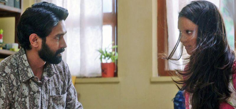 Pic 5 - Deepika Padukone and Vikrant Massey 1-1578751484201