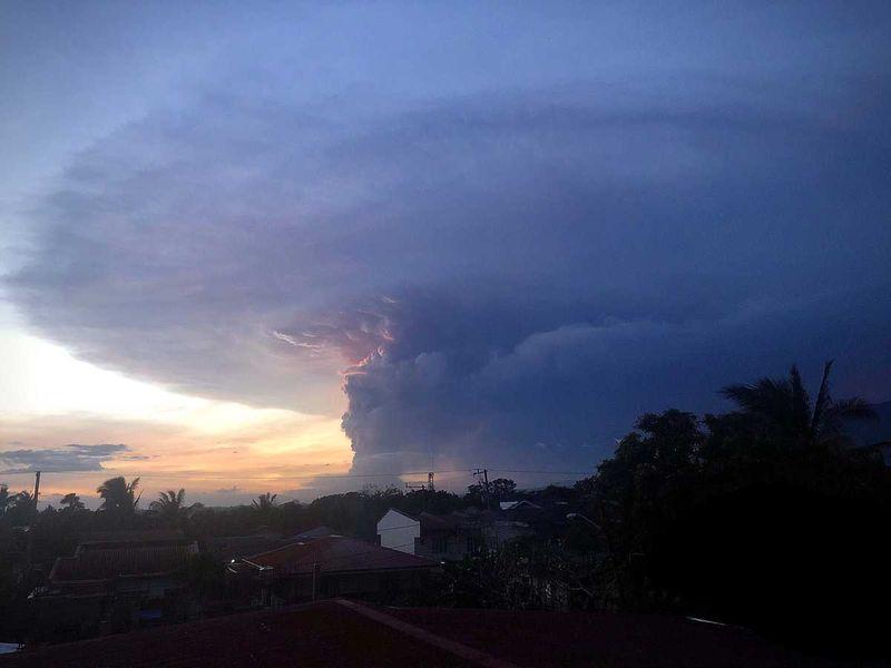190112 taal volcano eruption