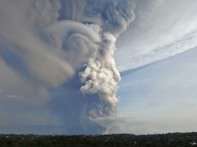 191201 taal volcano