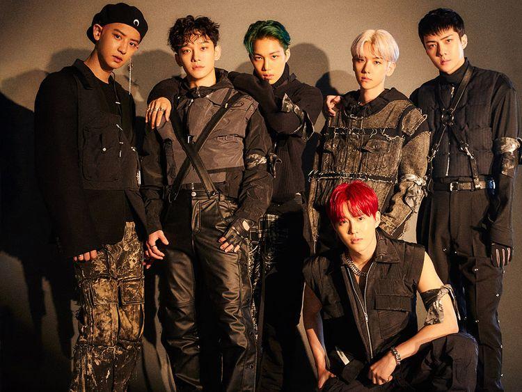 EXO – L to R – Chanyeol, Chen, Kai, Baekhyun, Suho and Sehun-1578978786325