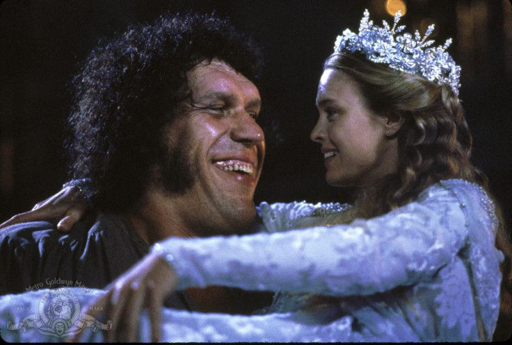 Robin Wright and André the Giant in The Princess Bride (1987)-1579443015514