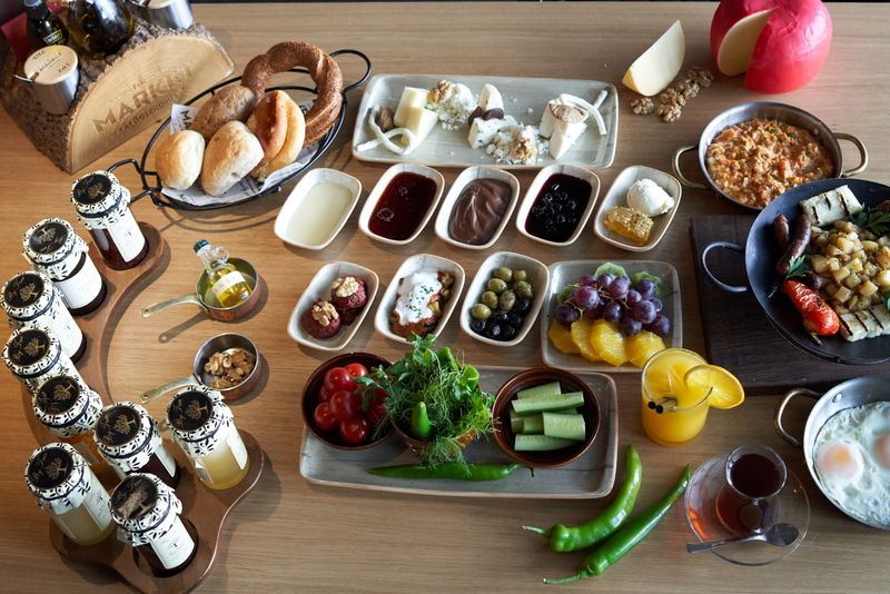 Huqqa Breakfast