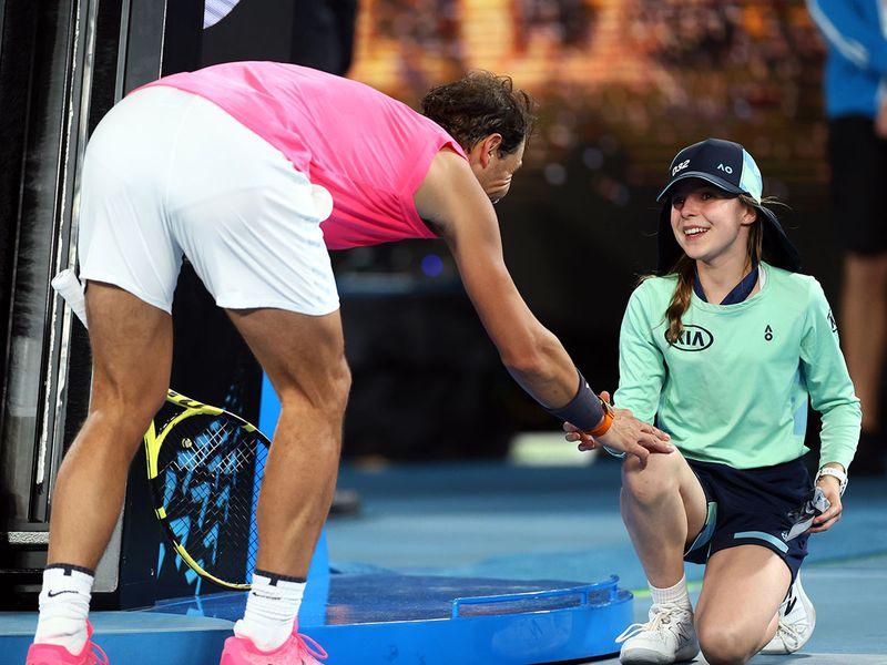 Video Rafael Nadal Accidentally Hits Ballgirl Plants Kiss To Apologise Tennis Gulf News