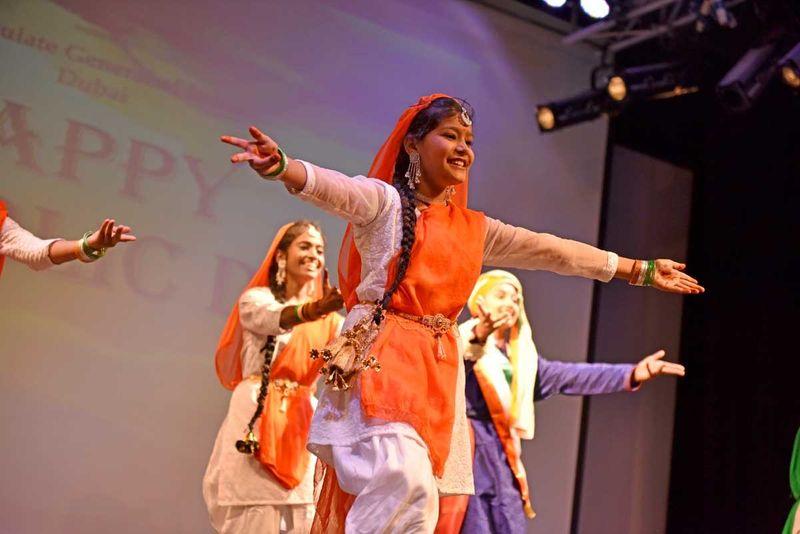 200126 children perform