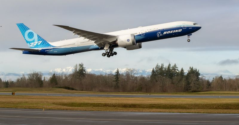 Copy of Boeing_777X_Inaugural_Flight_68815.jpg-d84de-1580031925746