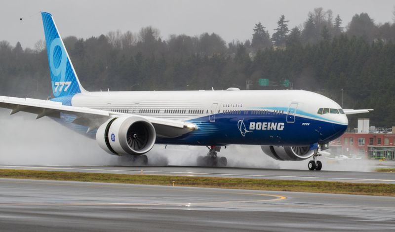 Copy of Boeing_777X_Inaugural_Flight_73615.jpg-60372-1580031955348