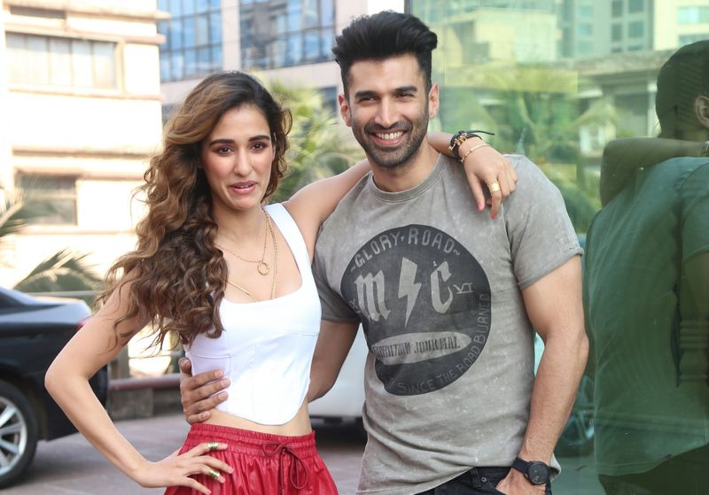 Photos Aditya Roy Kapoor And Disha Patani Rock The Casual Look At Malang Promotions Entertainment Photos Gulf News