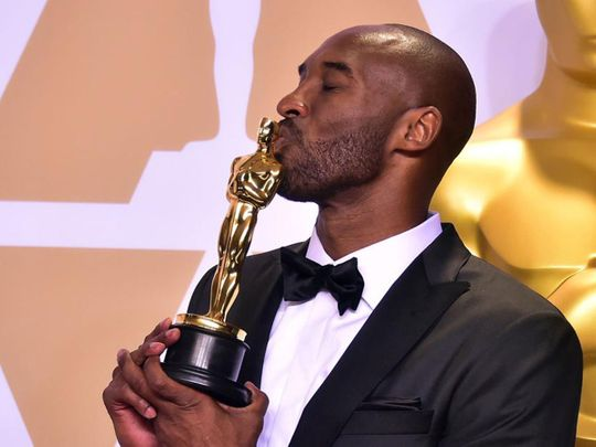 Kobe Bryant with his Oscar trophy in 2018.