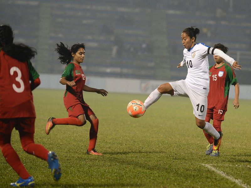 India's Bala Devi has joined Scottish club Rangers.