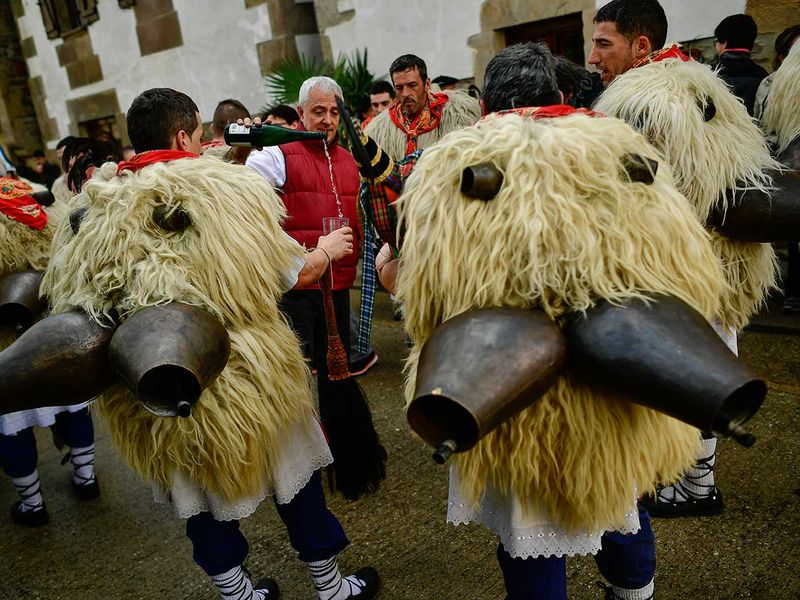 Spain_Traditional_Carnival_Joaldunak_79671