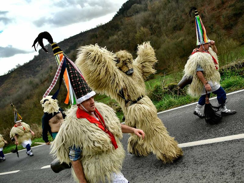 Spain_Traditional_Carnival_Joaldunak_86025