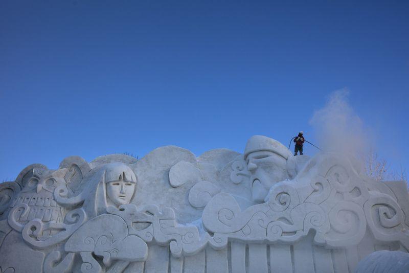 Copy of Japan_Snow_Festival_27350.jpg-b32a2-1580818276989