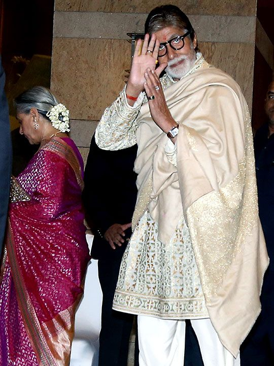 Megastar Amitabh Bachchan arrives with wife Jaya Bachchan.