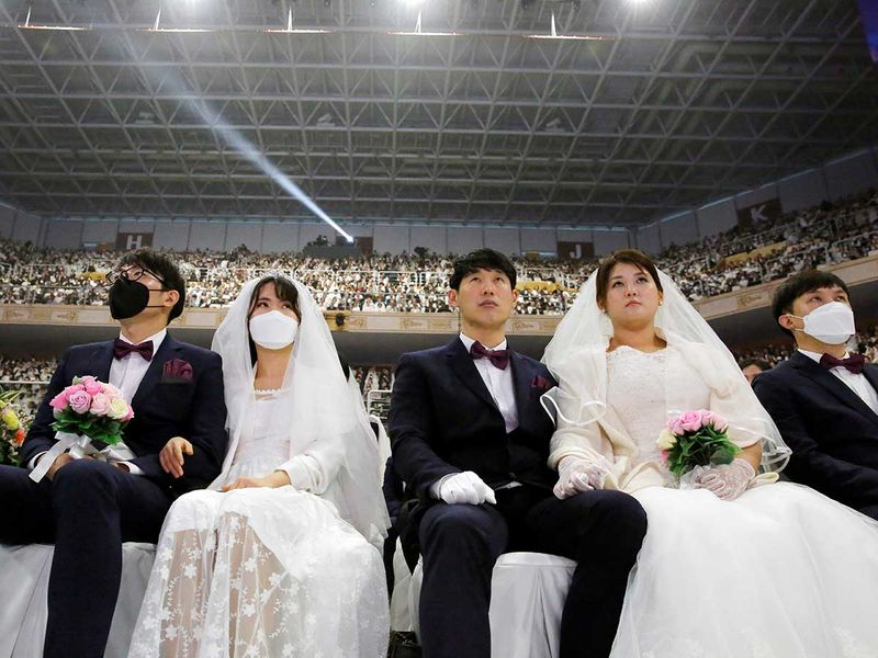 Copy-of-2020-02-07T064121Z_1710003277_RC2IVE941TJU_RTRMADP_3_CHINA-HEALTH-SOUTHKOREA-MASSWEDDING-(Read-Only)