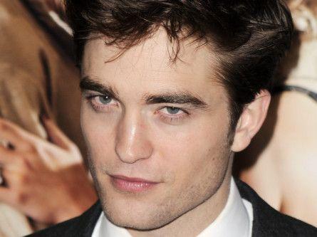 Robert Pattinson-1581059190183