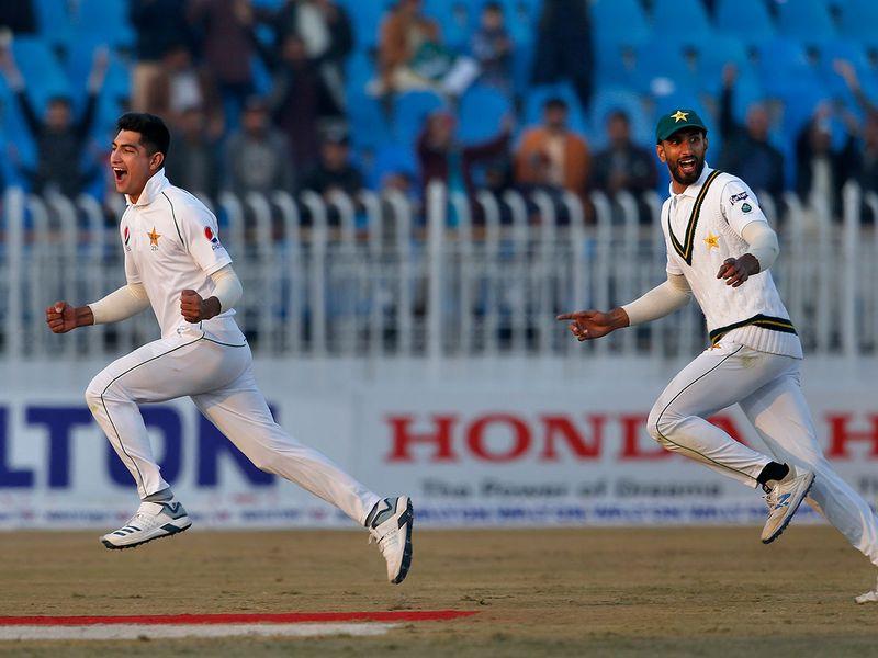 Naseem was on cloud nine next ball as Sohail caught the ball to dismiss Mahmudullah