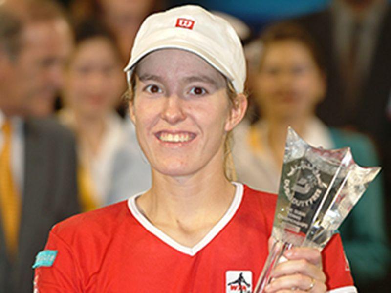 Justine Henin-Hardenne wins the Dubai Duty Free trophy 2003
