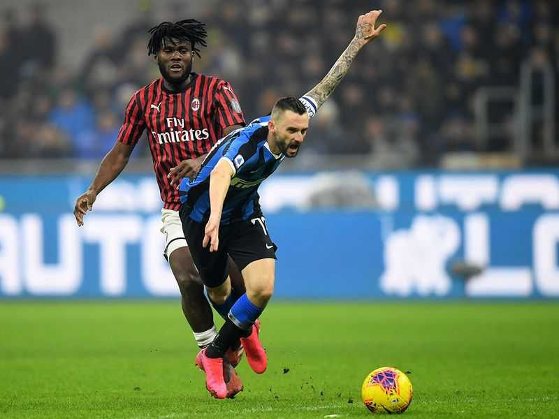 nter Milan went top of Serie A on Sunday after completing a remarkable second half comeback to overturn a two-goal deficit and beat AC Milan 4-2.