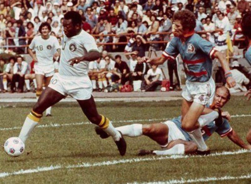 Pele playing for Cosmos