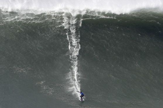 Copy of Portugal_Big_Wave_Surf_42563.jpg-73558-1581596206934