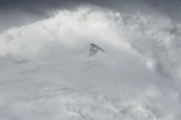 Copy of Portugal_Big_Wave_Surf_47210.jpg-e875c-1581596178769