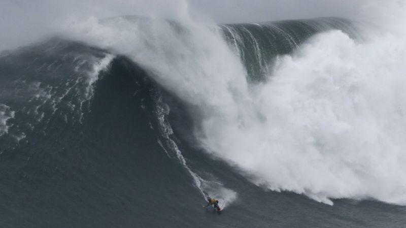 Copy of Portugal_Big_Wave_Surf_62599.jpg-ee749-1581596171480