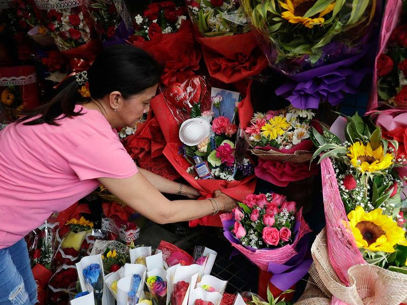 Philippines_China_Outbreak_Valentines_24033