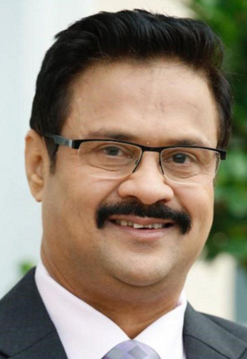 Dr Dhananjay