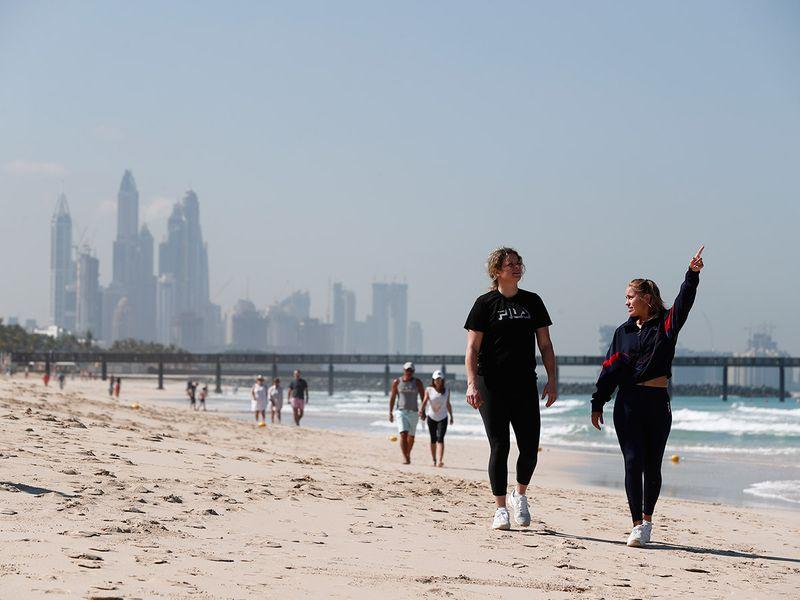 Sofia Kenin and Kim Clijsters on the beach in Dubai