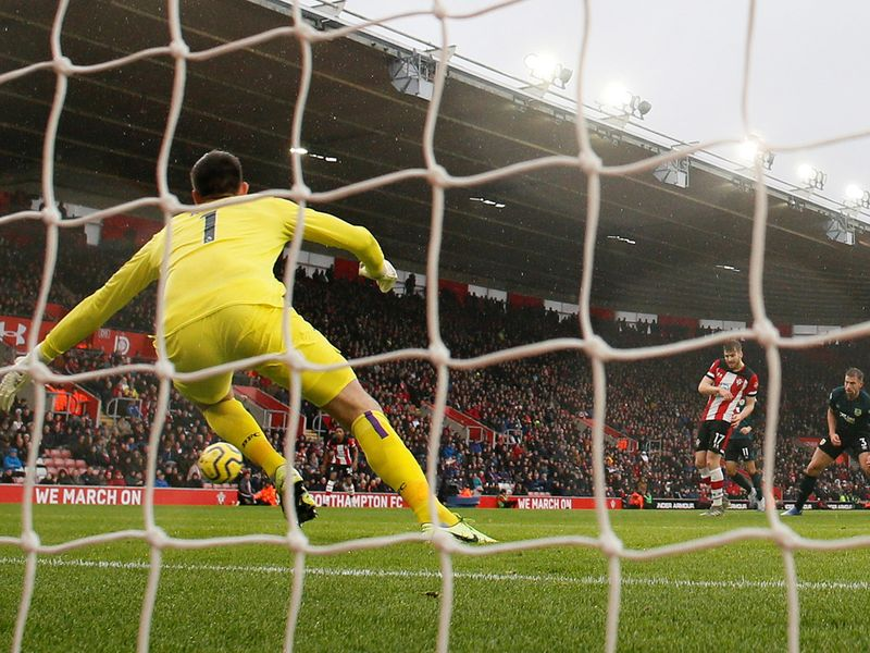 Southampton's Danny Ings scores their first goal      REUTERS