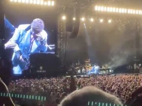 Elton John-1581920271152