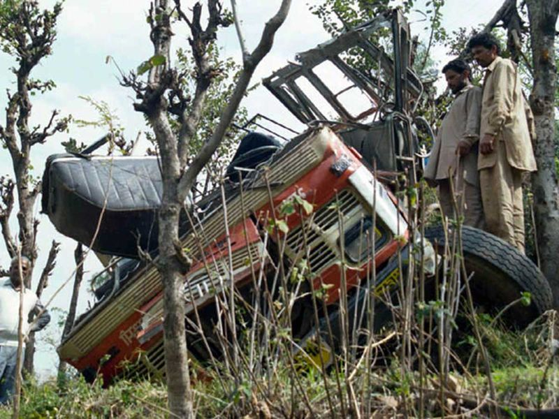 WEB-INDIA-BUS-ACCIDENT-FILE3233-(Read-Only) 2002