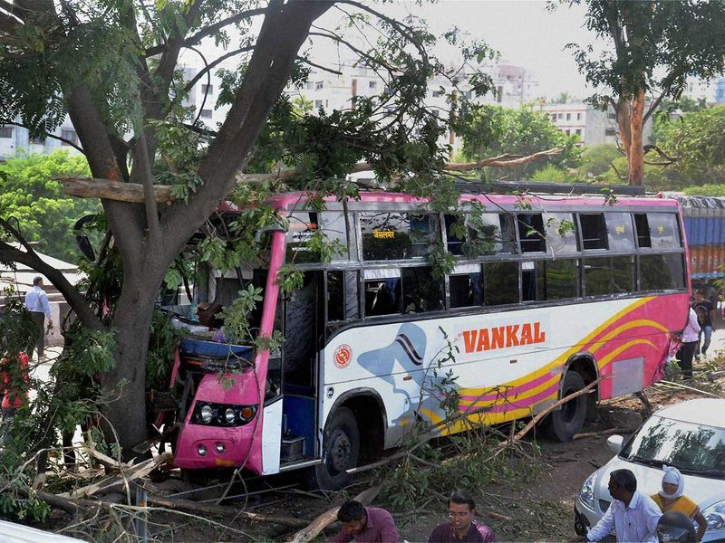 WEB-INDIA-BUS-ACCIDENT-FILE4333-(Read-Only)