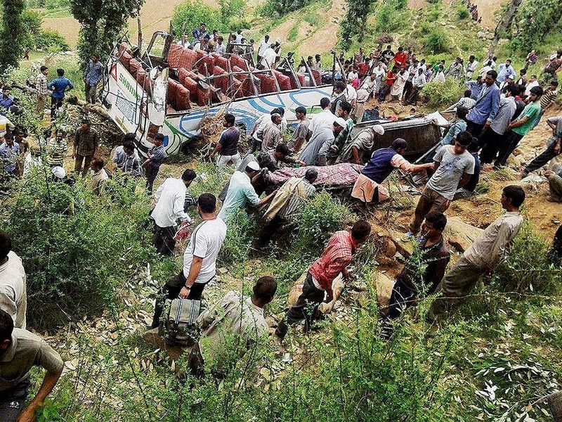 WEB-INDIA-BUS-ACCIDENT-FILE44-(Read-Only) 5_11_2015