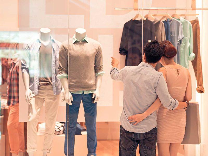 shutterstock_192988100 shopping generic
