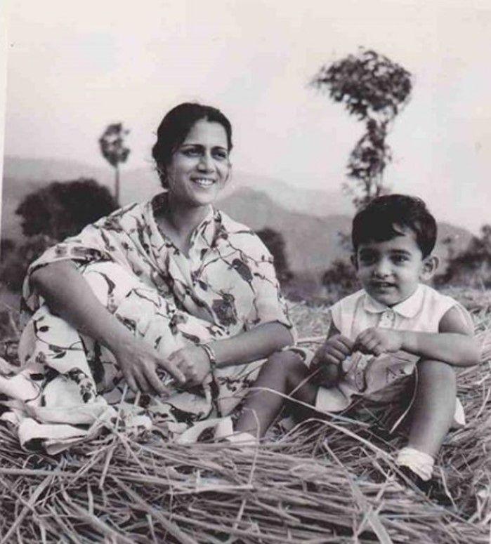 Aamir Khan and mom