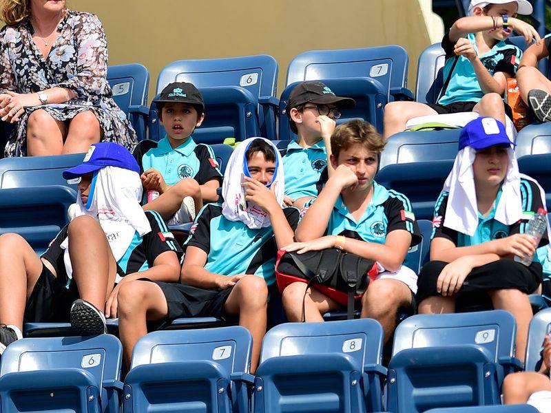 Dubai tennis fans