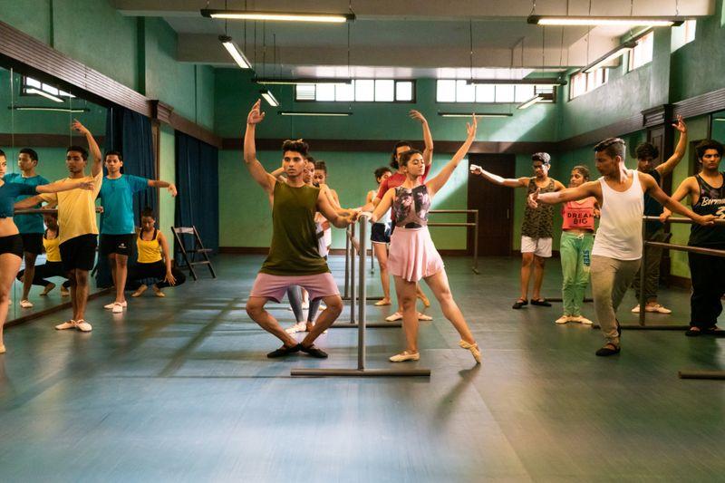 Yeh Ballet (16)-1582528470168