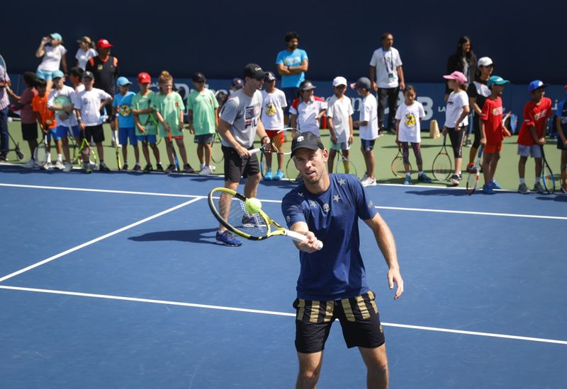 ATP doubles players, John Peers and Michael Venus had a practice session with the budding tennis stars-1582635325452