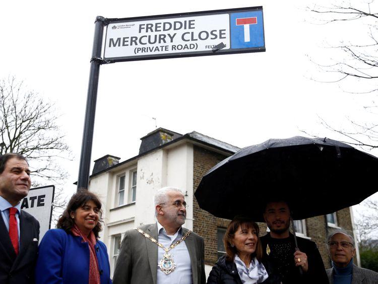 Freddie Mercury3-1582610433613