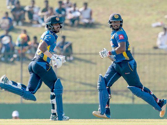 Sri Lanka's Kusal Mendis (L) and Avishka Fernando