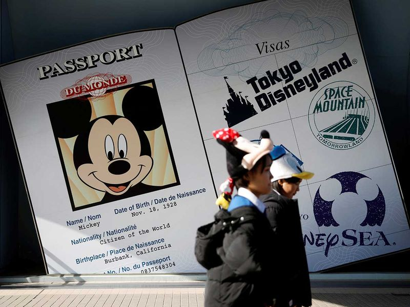 Copy-of-2020-02-28T061545Z_1913053605_RC2I9F9EVUZM_RTRMADP_3_CHINA-HEALTH-DISNEYLAND-(Read-Only)