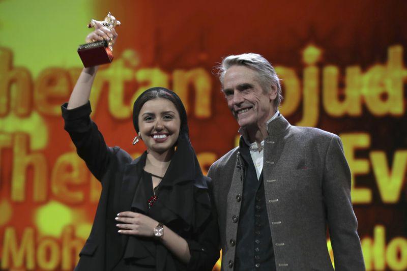 Copy of Germany_Berlin_Film_Festival_Awards_2020_96098.jpg-27c4b~1-1583333523581