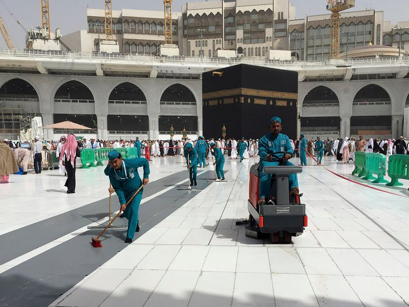 Saudi Arabia to allow Umrah for residents and visitors