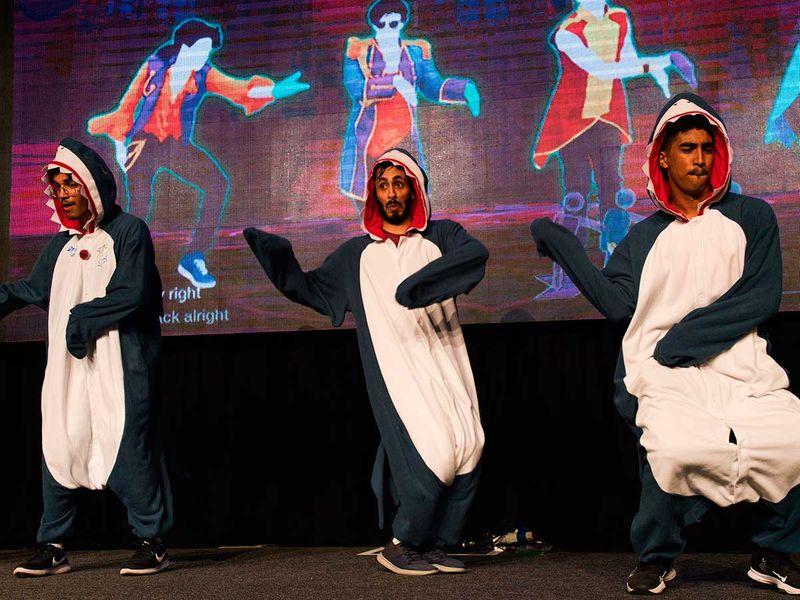 Copy-of-Virus_Outbreak_Mideast_Comic_Con_28565