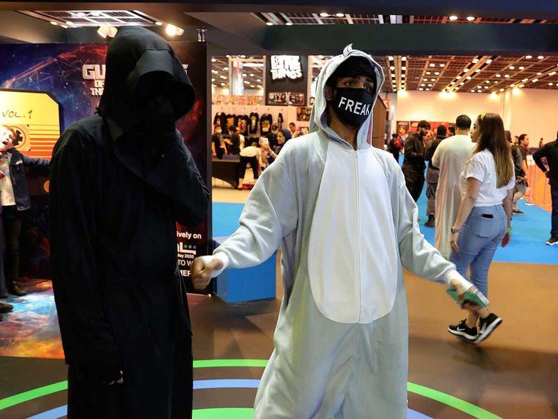 Copy-of-Virus_Outbreak_Mideast_Comic_Con_32365